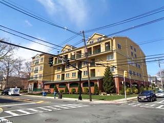 Photo of 201-211 W Jersey St Elizabeth, NJ 07202
