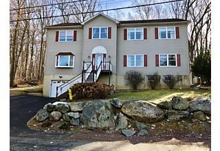 Photo of 68 Mcgregor Ave Mount Arlington, NJ 07856