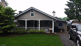 Photo of 6 Seymour Dr West Milford, NJ 07480