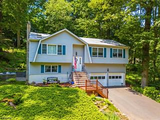 Photo of 40 Carriage House Rd Parsippany-troy Hills Tw, NJ 07878