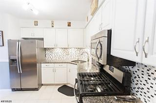Photo of 5 Cardinal Ln Hampton Township, NJ 07860