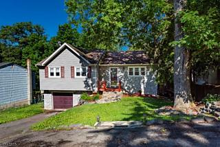 Photo of 212 Dupont Ave Hopatcong, NJ 07843