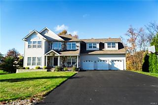 Photo of 21 Barberry Lane Wappingers Falls, NY 12590