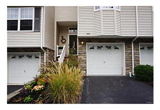 Photo of 303 Pondview Loop Wappingers Falls, NY 12590