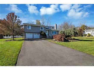 Photo of 76 Guernsey Drive New Windsor, NY 12553