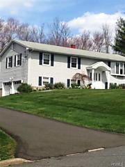 Photo of 610 Knollwood Court Valley Cottage, NY 10989