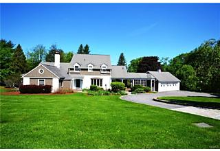 Photo of 19 Crest Road Mahopac, NY 10541