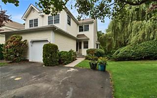Photo of 411 Glenwood Drive Briarcliff Manor, NY 10510