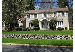 Photo of 4 Kings Gate Road Suffern, NY 10901