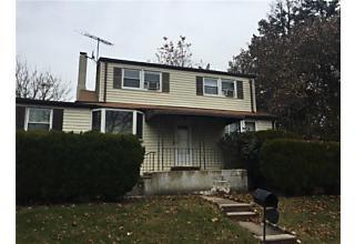 Photo of 17 S Walnut Avenue Iselin, NJ 08830