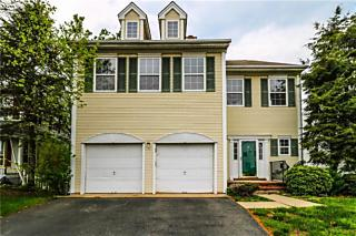 Photo of 13 Stanford Drive Kendall Park, NJ 08824