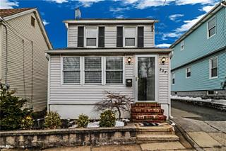 Photo of 387 Raritan Street South Amboy, NJ 08879