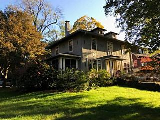 Photo of 14 Crescent Rd Poughkeepsie, NY 12601