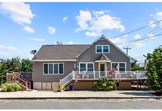 Photo of 6302 Long Beach Boulevard Harvey Cedars, NJ 08008