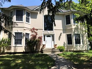 Photo of 557 W Lincoln Avenue Oakhurst, NJ 07755