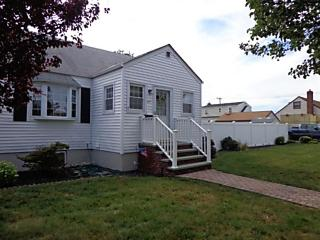 Photo of 47 Vandewater St Farmingdale, NY 11735