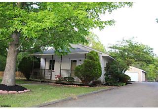 Photo of 810 Farragut Ave Hamilton Township, NJ 08330