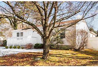 Photo of 5932 Cloverleaf Dr Mays Landing, NJ 08330
