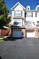 Photo of 13 Marina Dr, Unit 13 Bayonne, NJ 07002