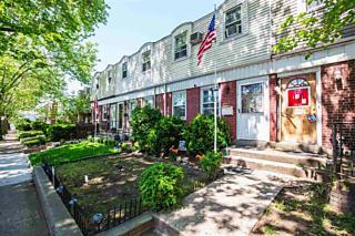 Photo of 318 Stevens Ave Jersey City, NJ 07305