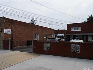 Photo of 179 Hillside Ave Williston Park, NY 11596