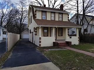 Photo of 48 Park Ave Roosevelt, NY 11575