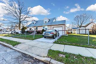 Photo of 1608 Hawthorne Street Baldwin, NY 11510