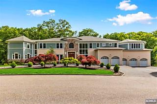 Photo of 5 Pointsettia Court Kinnelon, NJ 07405