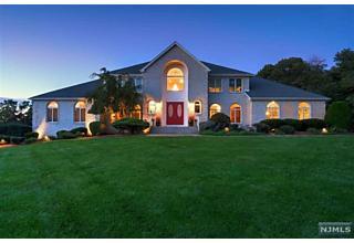 Photo of 1 Woodshire Terrace Montville Township, NJ 07082