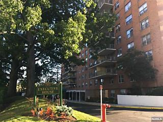 Photo of 301 Beech Street, Unit 2k Hackensack, NJ 07601