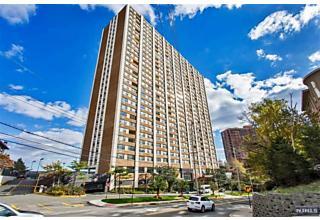 Photo of 250 Gorge Road, Unit 9 J Cliffside Park, NJ 07010