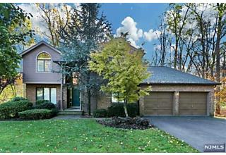Photo of 2 Lakeview Drive Old Tappan, NJ 07675