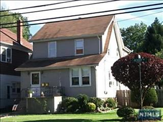 Photo of 126 Hickory Avenue Bergenfield, NJ 07621