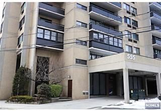 Photo of 555 Gorge Road, Unit 6f Cliffside Park, NJ 07010