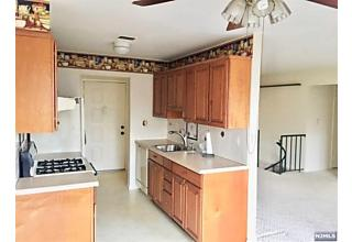 Photo of 333 Liberty Street, Unit 9 Little Ferry, NJ 07643