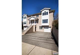 Photo of 301b East Edsall Boulevard Palisades Park, NJ 07650