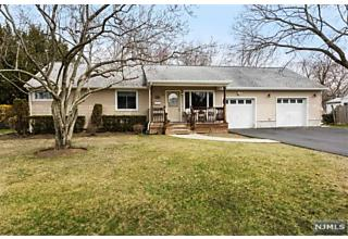 Photo of 319 East Midland Avenue Paramus, NJ 07652