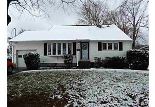 Photo of 7 Edgewood Drive Saugerties, NY 12477