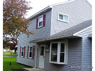 Photo of 522 Willow Drive Utica, NY 13502