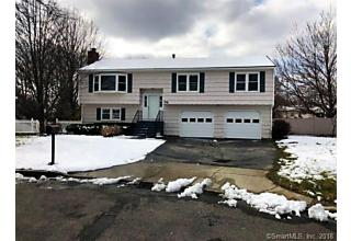 Photo of 39 Squire Court Milford, CT 06460