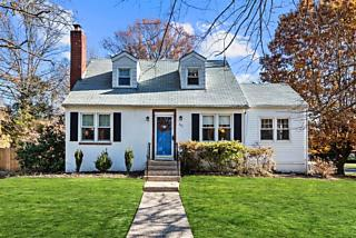 Photo of 421 Collins Avenue Moorestown, NJ 08057
