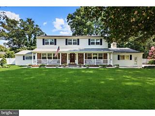 Photo of 408 Sentinel Road Moorestown, NJ 08057